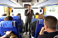 14 JUL 2004, BERLIN/GERMANY:<br /> Wolfgang Clement, SPD, Bundeswirtschaftsminister, gibt mitreisenden Journalisten ein Pressestatement im Reisebus, Ausbildungstour fuer zusaetzliche Ausbildungsplaetze, im Rahmen der Ausbildungsoffensive 2004 der Initiative TeamArbeit fuer Deutschland<br /> IMAGE: 20040714-01-004<br /> KEYWORDS: Ausbildungsplätze, Ausbildung, Ausbildungsplatz, Bus, Journalist