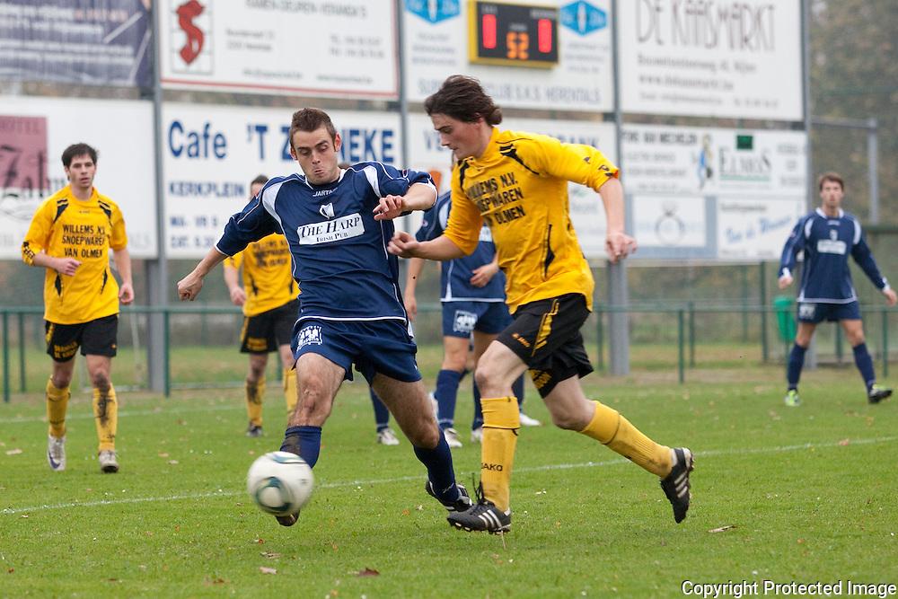 368675-voetbal sks herentals tegen OG Vorselaar-Olympiadelaan Herentals-15 Baeten Michael en 11 Robert Van Hoeck