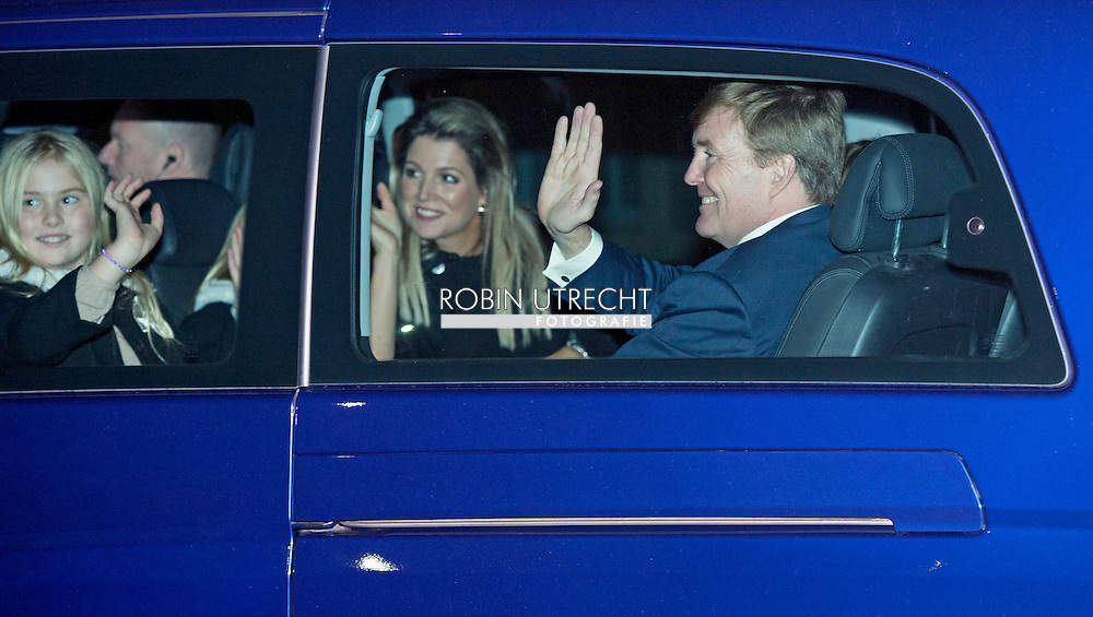 9-11-2014 - APELDOORN -  Doop Christening of Willem Jan ( 01-07-2013), son of Prince Floris and Princess Aimee, with daughters Magali and Eliane at Palace Het Loo in Apeldoorn.<br /> King Willem-Alexander and Queen Maxima and Princess Amalia and Princess Alexia and Princess Ariane arrive for the ceremony.   Arrival of king Willem alexander and queen Maxima and princess Amalia , Ariane and Alexia for the baptism of Willem Jan the child of princess Aimee and princes Flo