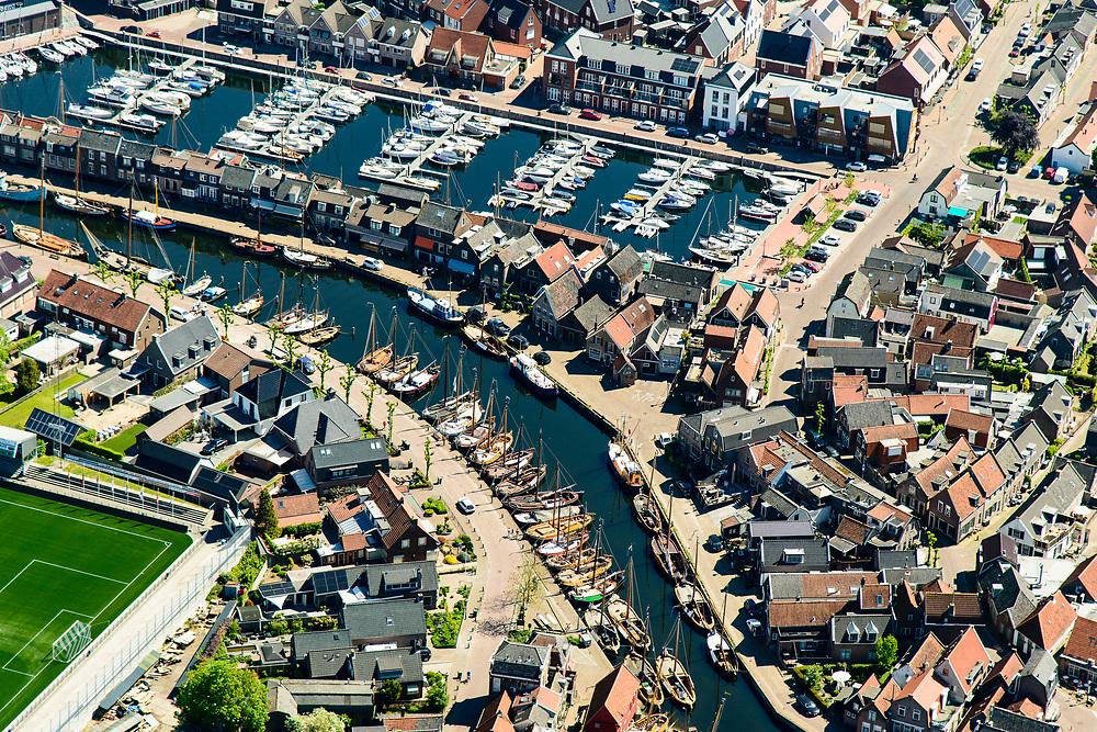 Nederland, Utrecht, Bunschoten-Spakenburg, 07-05-2018; centrum Spakenburg, voormalig vissersdorp. met haven en jachthaven.<br /> Spakenburg, former fishing village.<br /> <br /> luchtfoto (toeslag op standard tarieven);<br /> aerial photo (additional fee required);<br /> copyright foto/photo Siebe Swart