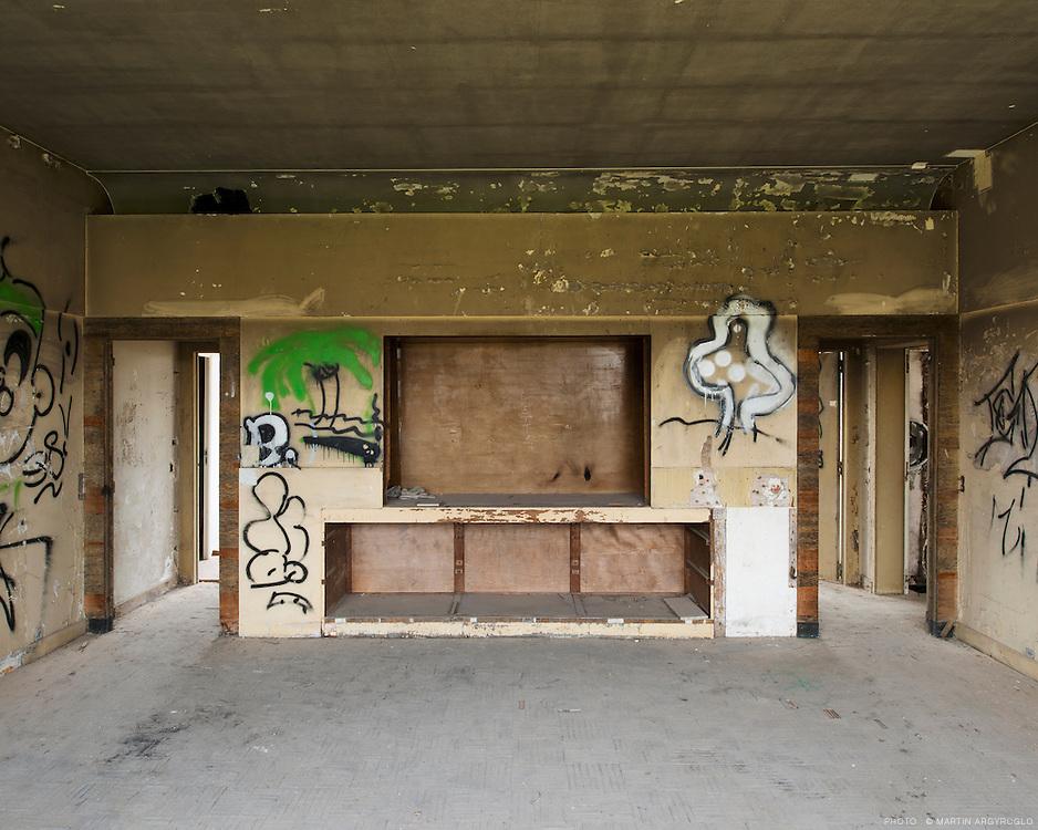 la villa cavrois par l 39 architecte robert mallet stevens. Black Bedroom Furniture Sets. Home Design Ideas