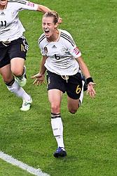 30-06-2011 VOETBAL: FIFA WOMENS WORLDCUP 2011 GERMANY - NIGERIA: FRANKFURT<br /> Torjubel / Jubel  nach dem 1:0 durch Simone Laudehr (GER #06, Duisburg) <br /> ***NETHERLANDS ONLY***<br /> ©2011-FRH- NPH/Mueller