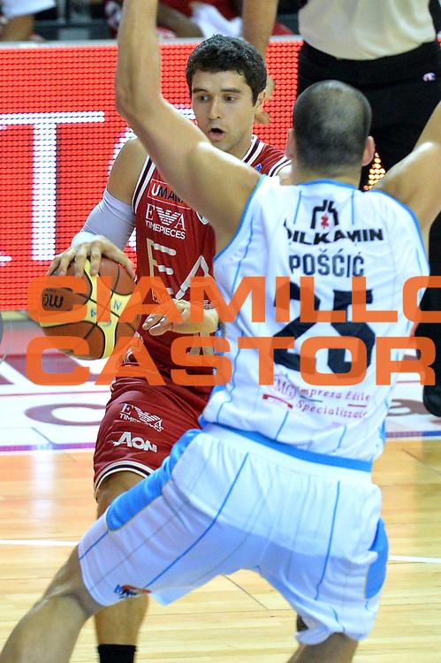 DESCRIZIONE : Cremona Lega A 2014-15 Vainoli Cremona vs EA7 Emporio Armani Milano<br /> GIOCATORE : Trent Meacham<br /> CATEGORIA : Palleggio<br /> SQUADRA : EA7 Emporio Armani Milano<br /> EVENTO : Campionato Lega A 2014-2015<br /> GARA : Vainoli Cremona vs EA7 Emporio Armani Milano<br /> DATA : 11/10/2014<br /> SPORT : Pallacanestro <br /> AUTORE : Agenzia Ciamillo-Castoria/I.Mancini<br /> Galleria : Lega Basket A 2014-2015  <br /> Fotonotizia : Cremona Lega A 2014-2015 Pallacanestro Vainoli Cremona vs EA7 Emporio Armani Milano<br /> Predefinita :