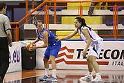 DESCRIZIONE : Elettra Pescara Giochi del Mediterraneo 2009 Mediterranean Games Italia Grecia Italy Greece Semifinal Women<br /> GIOCATORE : Chiara Pastore<br /> SQUADRA : Italia Italy<br /> EVENTO : Elettra Pescara Giochi del Mediterraneo 2009<br /> GARA : Italia Grecia Italy Greece<br /> DATA : 30/06/2009<br /> CATEGORIA : palleggio<br /> SPORT : Pallacanestro<br /> AUTORE : Agenzia Ciamillo-Castoria/C.De Massis