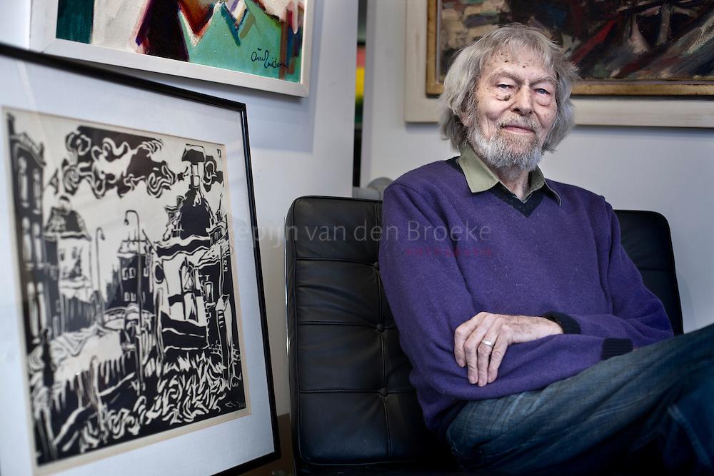 Groningen 20110208. Kunstschilder Arie Zuidersma in galerie Ter Borg. foto: Pepijn van den Broeke