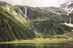 THEMENBILD - der Hintersee und die umliegende Bergwelt der Hohen Tauern. Der Hintersee ist ein kleiner Gebirgssee in 1313 m Höhe im Talschluss des Felbertals in Mittersill. Der Bergsee ist ein Naturdenkmal und wurde unter Schutz gestellt. Der Hintersee gilt als Geheimtipp, Erholungsgebiet und ein Platz, den man gesehen haben muss, aufgenommen am 23. Juni 2019, am Hintersee in Mittersill, Österreich // the Hintersee and the surrounding mountains of the Hohe Tauern. Hintersee is a small mountain lake 1313 m above sea level at the end of the Felbertal valley in Mittersill. The mountain lake is a natural monument and was placed under protection. The Hintersee is an insider tip, a place you must have seen and a recreation area on 2019/06/23, Hintersee in Mittersill, Austria. EXPA Pictures © 2019, PhotoCredit: EXPA/ Stefanie Oberhauser