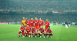 Athens, Greece - Wednesday, May 23, 2007: Liverpool's goalkeeper Jose Reina, Dirk Kuyt, Xabi Alonso, Daniel Agger, Jamie Carragher, Javier Mascherano, Steve Finnan, Boudewijn Zenden, Steven Gerrard, John Arne Riise and Jermaine Pennant before the UEFA Champions League Final against AC Milan at the OACA Spyro Louis Olympic Stadium. (Pic by Jason Roberts/Propaganda)