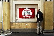 Una bandiera con il logo del partito politico Sinistra Ecologia e Libertà. Roma, 26 ottobre 2013. Christian Mantuano / OneShot