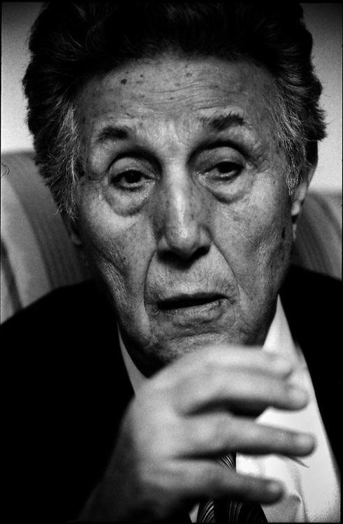 PORTRAITS / RETRATOS<br /> <br /> Ahmed Ben-Bella<br /> Ex Presidente de la Republica de Argelia<br /> Caracas - Venezuela 2004<br /> <br /> (Copyright &copy; Aaron Sosa)