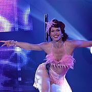 NLD/Hilversum/20100910 - Finale Holland's got Talent 2010, Burlesque danseres Miss Flora Gattina