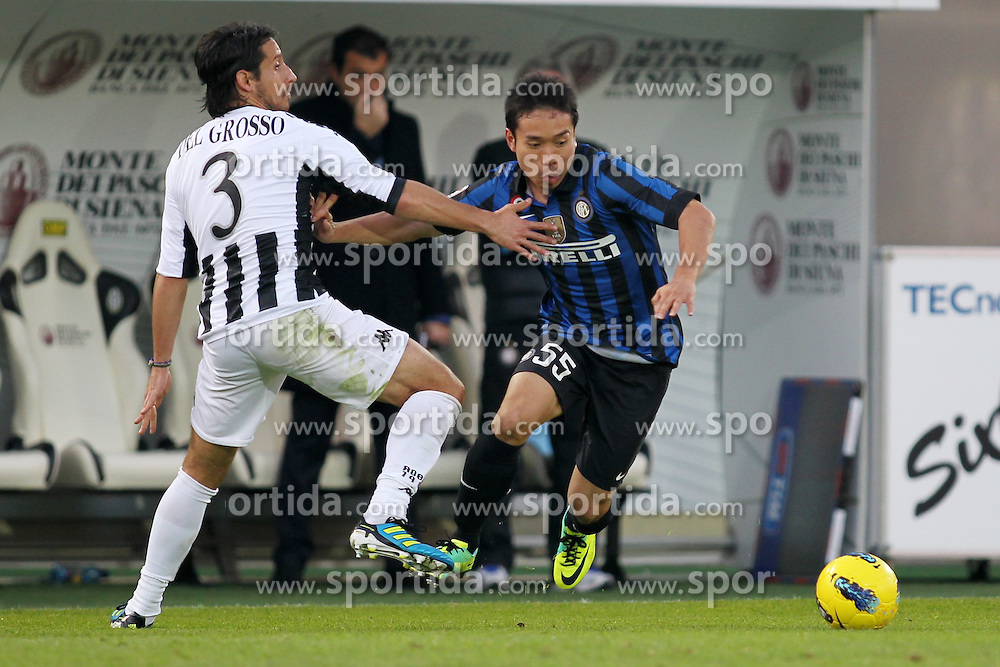 27.11.2011, Stadion Communale Artemio Franchi, Siena, ITA, Serie A, AC Siena vs Inter Mailand, 13. Spieltag, im Bild Yuto Nagatomo (Inter) Cristiano Del Grosso (Siena) // during the football match of Italian 'Serie A' league, 13th round, between AC Siena and Inter Mailand at Comunale Artemio Franchi stadium, Siena, Italy on 2011/11/27. EXPA Pictures © 2011, PhotoCredit: EXPA/ Insidefoto/ Luca Pagliaricci..***** ATTENTION - for AUT, SLO, CRO, SRB, SUI and SWE only *****