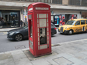 Phone Box and cash machine, Knightsbridge, 10 April 2018