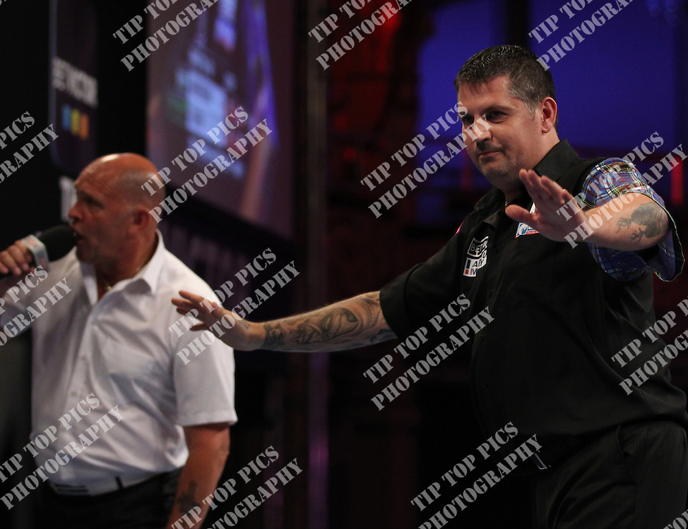 PDC WORLD MATCHPLAY 2014,gary anderson<br /> PIC CHRIS SARGEANT,<br /> TIPTOPPICS
