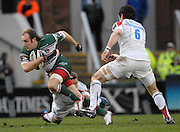 Leicester, GREAT BRITAIN,  Tigers, Andy GOODE goes through the gap Jonny Wilkinson Diving and right Brent WILSON, during the Guinness Premiership game, Leicester Tigers vs Newcastle Falcons at Welford Road. 26.01.2008 [Mandatory Credit Peter Spurrier/Intersport Images]