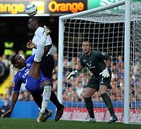 Photo:  Frances Leader.<br /> Chelsea v Tottenham. Barclays Premiership.<br /> Stamford Bridge.<br /> 19/09/2004<br /> Chelsea's Didier Drogba kicks a near miss goal<br /> NORWAY ONLY