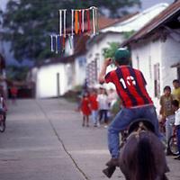 Juego de ensartar el anillo a caballo, Altamira de Caceres, Estado Barinas, Venezuela.