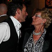 NLD/Hilversum/20100303 - Harpengala 2010, Gerard Joling met zijn moeder