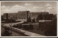 Zagreb : Realna gimnazija - Wilsonov trg. <br /> <br /> ImpresumZagreb : Naklada: Orient, [1939].<br /> Materijalni opis1 razglednica : tisak ; 9,1 x 14 cm.<br /> NakladnikNaklada Orient<br /> Mjesto izdavanjaZagreb<br /> Vrstavizualna građa • razglednice<br /> ZbirkaZbirka razglednica • Grafička zbirka NSK<br /> Formatimage/jpeg<br /> PredmetZagreb –– Trg Franklina Delana Roosevelta<br /> Muzej Mimara (Zagreb)<br /> SignaturaRZG-ROOS-3<br /> Obuhvat(vremenski)20. stoljeće<br /> NapomenaRazglednica je putovala 1939. godine.<br /> PravaJavno dobro<br /> Identifikatori000954694<br /> NBN.HRNBN: urn:nbn:hr:238:940138 <br /> <br /> Izvor: Digitalne zbirke Nacionalne i sveučilišne knjižnice u Zagrebu