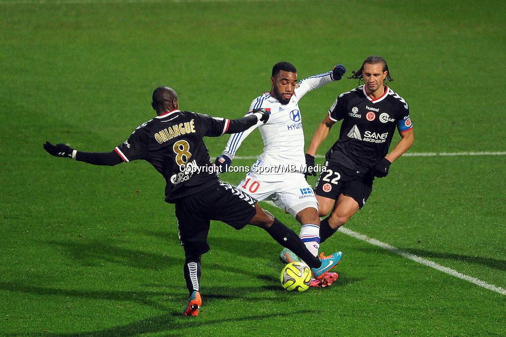 Alexandre LACAZETTE / Prince ONIANGUE - 04.12.2014 - Lyon / Reims - 16eme journee de Ligue 1  <br />Photo : Jean Paul Thomas / Icon Sport