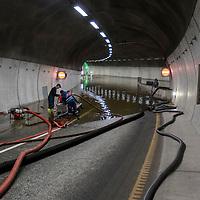 Kristiansand  20171001.<br /> Regn og uv&aelig;r p&aring; S&oslash;rlandet. Deler av V&aring;gsbygdporten tunnel er stengt pga vannmassene. Tunelen knytter V&aring;gsbygd og E39 til sentrum av byen og er et viktig knutepunkt for byen.<br /> Foto: Tor Erik Schr&oslash;der / NTB scanpix