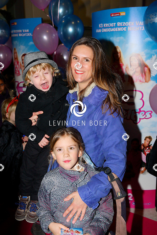 AMSTERDAM - In de Rai is de filmpremiere van K3 Bengeltjes gehouden. Met op de foto  Tamara Seur met dochter Katja Belou en jongste zoon. FOTO LEVIN DEN BOER - PERSFOTO.NU