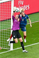 09.07.2011, FIFA Frauen-WM-Stadion Leverkusen, Leverkusen, GER, FIFA Women Worldcup 2011, Viertelfinale, England (ENG) vs. Frankreicht (FRA), im Bild:  Karen Bardsley (England) gegen Laure Lepailleur (Frankreich) (R).. // during the FIFA Women´s Worldcup 2011, Quaterfinal, England vs France on 2011/07/09, FIFA Frauen-WM-Stadion Leverkusen, Leverkusen, Germany.   EXPA Pictures © 2011, PhotoCredit: EXPA/ nph/  Mueller *** Local Caption ***       ****** out of GER / CRO  / BEL ******