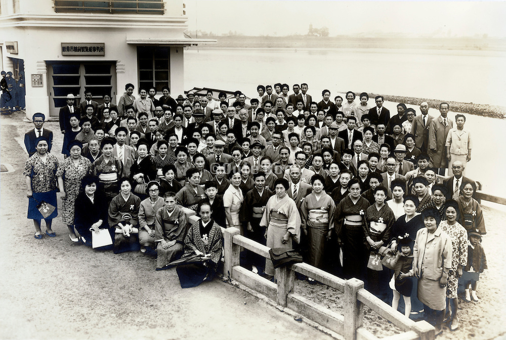 tourist group picture at the Nagaragawa river Gifu prefecture Japan 1950s