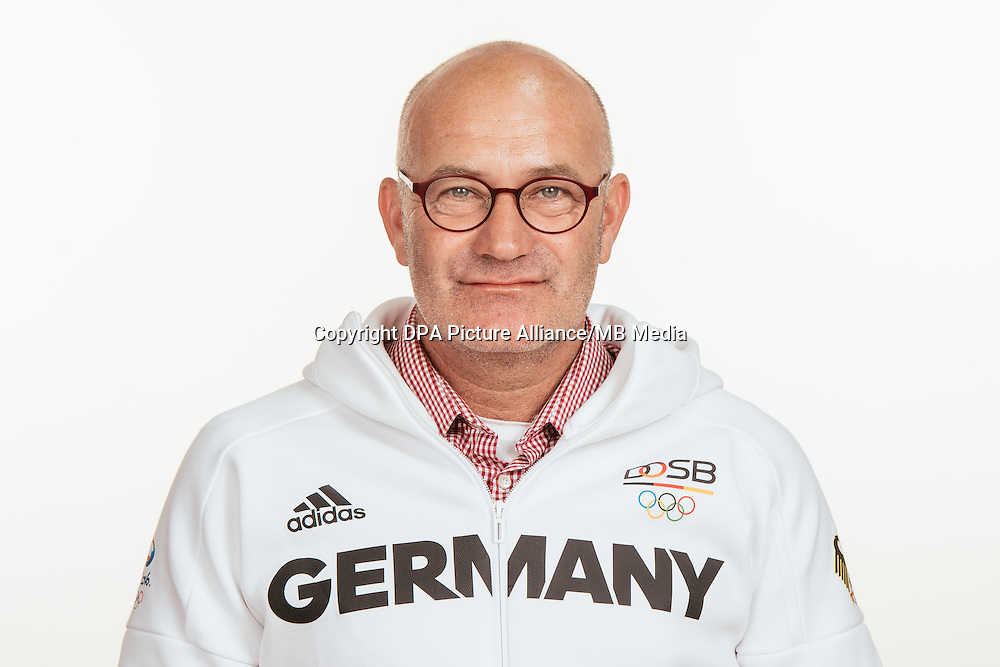 Robert Samerson poses at a photocall during the preparations for the Olympic Games in Rio at the Emmich Cambrai Barracks in Hanover, Germany, taken on 18/07/16 | usage worldwide
