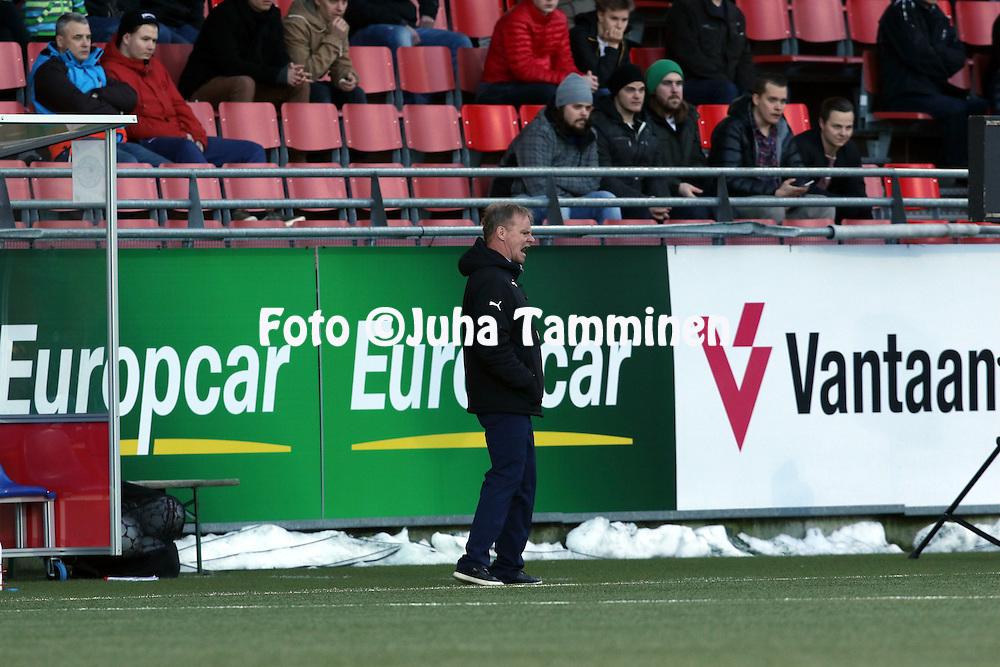 2.4.2016, Myyrm&auml;en jalkapallostadion, Vantaa.<br /> Veikkausliiga 2016.<br /> Pallokerho-35 Vantaa - Rovaniemen Palloseura.<br /> Valmentaja Juha Malinen - RoPS