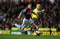 Photo: Rich Eaton.<br /> <br /> Aston Villa v Arsenal. The Barclays Premiership. 14/03/2007. Gareth Barry left of Aston Villagets past Arsenals Freddie Ljungbeg