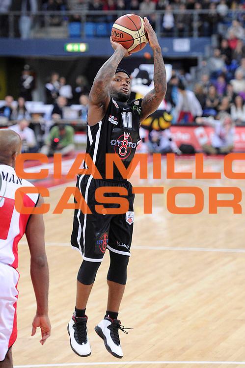 DESCRIZIONE : Pesaro Lega A 2011-12 Scavolini Siviglia Pesaro Otto Caserta <br /> GIOCATORE : Andre Collins<br /> CATEGORIA : tiro<br /> SQUADRA : Otto Caserta<br /> EVENTO : Campionato Lega A 2011-2012<br /> GARA : Scavolini Siviglia Pesaro Otto Caserta<br /> DATA : 04/03/2012<br /> SPORT : Pallacanestro<br /> AUTORE : Agenzia Ciamillo-Castoria/C.De Massis<br /> Galleria : Lega Basket A 2011-2012<br /> Fotonotizia : Pesaro Lega A 2011-12 Scavolini Siviglia Pesaro Otto Caserta<br /> Predefinita :