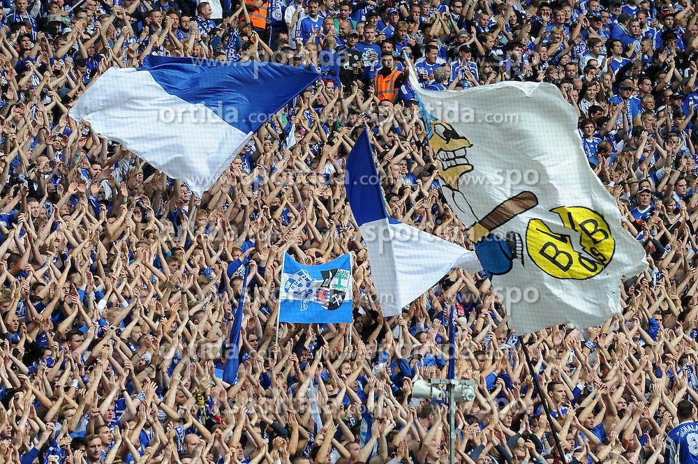 27.09.2014, Veltins Arena, Gelsenkirchen, GER, 1. FBL, Schalke 04 vs Borussia Dortmund, 6. Runde, im Bild Rappelvolle Nordtribuene beim Derby zwischen Schalke 04 und Borussia Dortmund. // during the German Bundesliga 6th round match between Schalke 04 and Borussia Dortmund at the Veltins Arena in Gelsenkirchen, Germany on 2014/09/27. EXPA Pictures &copy; 2014, PhotoCredit: EXPA/ Eibner-Pressefoto/ Thienel<br /> <br /> *****ATTENTION - OUT of GER*****