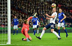 Harry Kane of Tottenham Hotspur scores past Jordan Pickford of Everton to score his 98th goal in the premier league. - Mandatory by-line: Alex James/JMP - 13/01/2018 - FOOTBALL - Wembley Stadium - London, England - Tottenham Hotspur v Everton - Premier League