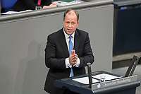 08 NOV 2018, BERLIN/GERMANY:<br /> Joachim Stamp, MdL, FDP, Stellvertretender Ministerpräsident des Landes Nordrhein-Westfalen, Minister für Kinder, Familie, Flüchtlinge und Integration, haelt eine Rede, Bundestagsdebatte zum sog. Global Compact fuer Migration, Plenum, Deutscher Bundestag<br /> IMAGE: 20181108-01-035<br /> KEYWORDS: Sitzung