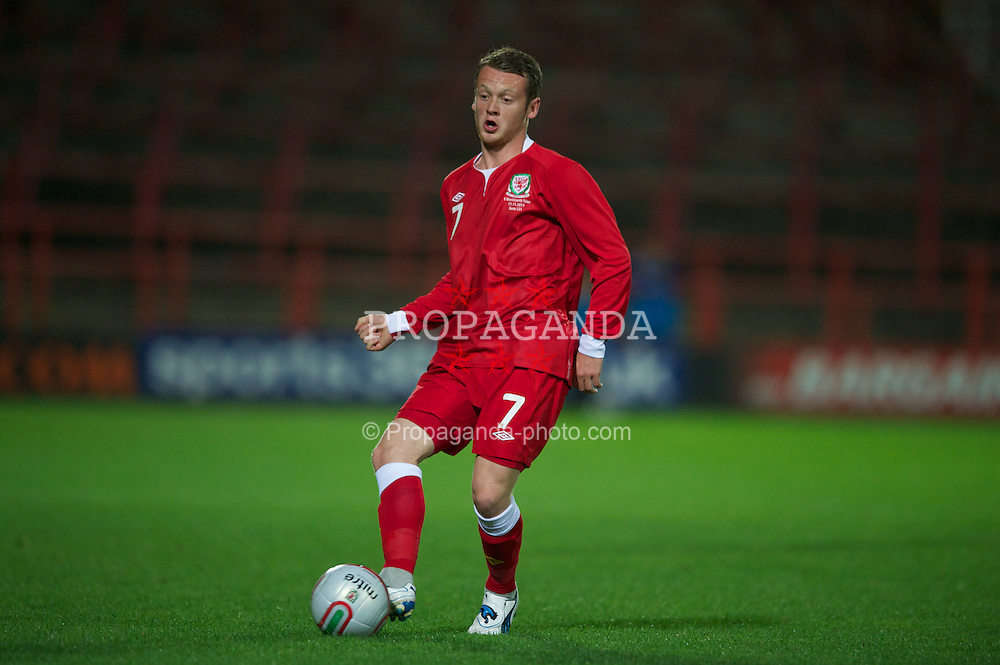 WREXHAM, WALES - Monday, October 11, 2011: Wales' Jake Taylor in action against Czech Republic during the UEFA Under-21 Championship Qualifying Group 3 match at the Racecourse Ground. (Pic by Chris Brunskill/Propaganda)