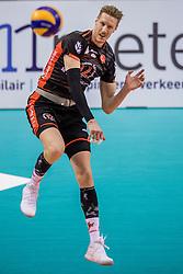 15-02-2017 NED: Draisma Dynamo - Ziraat Bankasi Ankara, Apeldoorn <br /> CEV Volleyball Challenge Cup 2017 / Kay van Dijk #12