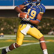 11/12/11 Newark DE: Delaware Wide receiver Nihja Whiten #19 attempts to catch the pass during warm ups prior to a Week 10 NCAA football game against Richmond...Special to The News Journal/SAQUAN STIMPSON