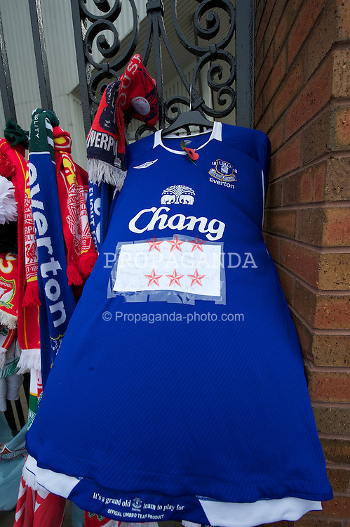 LIVERPOOL, ENGLAND - Friday, April 15, 2011: An Everton FC shirt tied to the Shankly Gates during a Memorial Service to remember the 96 victims of the Hillsborough Stadium Disaster in 1989. (Photo by David Rawcliffe/Propaganda)