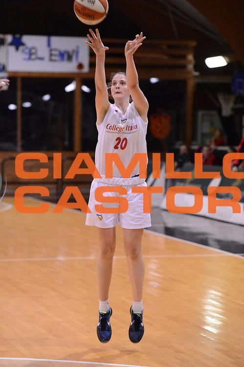 DESCRIZIONE : Roma Basket Campionato Italiano Femminile serie B 2012-2013<br />  College Italia  Gruppo L.P.A. Ariano Irpino<br /> GIOCATORE : Vitari Annalisa<br /> CATEGORIA : tiro<br /> SQUADRA : College Italia<br /> EVENTO : College Italia 2012-2013<br /> GARA : College Italia  Gruppo L.P.A. Ariano Irpino<br /> DATA : 03/11/2012<br /> CATEGORIA : palleggio<br /> SPORT : Pallacanestro <br /> AUTORE : Agenzia Ciamillo-Castoria/GiulioCiamillo<br /> Galleria : Fip Nazionali 2012<br /> Fotonotizia : Roma Basket Campionato Italiano Femminile serie B 2012-2013<br />  College Italia  Gruppo L.P.A. Ariano Irpino<br /> Predefinita :