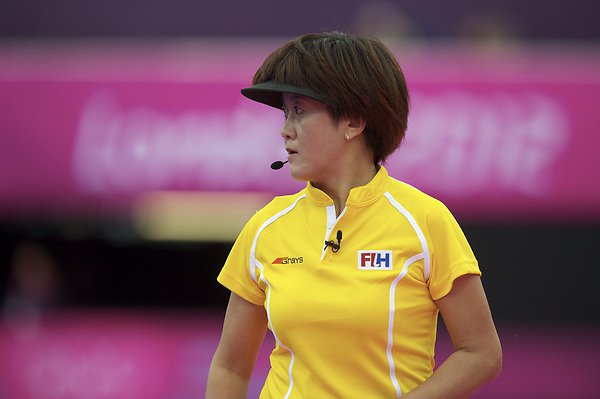 LONDON - Olympische Spelen 2012.women match.Argentina v South Africa.foto: Umpire L Miao.FFU PRESS AGENCY COPYRIGHT FRANK UIJLENBROEK.