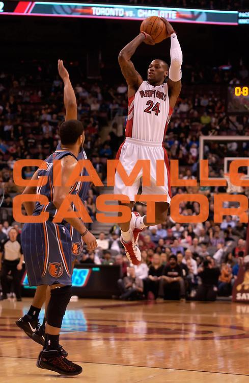 DESCRIZIONE : Toronto NBA 2010-2011 Toronto Raptors Charlotte Bobcats<br /> GIOCATORE : Sonny Weems<br /> SQUADRA : Toronto Raptors Charlotte Bobcats<br /> EVENTO : Campionato NBA 2010-2011<br /> GARA : Toronto Raptors Charlotte Bobcats<br /> DATA : 13/03/2011<br /> CATEGORIA :<br /> SPORT : Pallacanestro <br /> AUTORE : Agenzia Ciamillo-Castoria/V.Keslassy<br /> Galleria : NBA 2010-2011<br /> Fotonotizia : Toronto NBA 2010-2011 Toronto Raptors Charlotte Bobcats<br /> Predefinita :