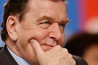 """10 MAR 2002, MAGDEBURG/GERMANY:<br /> Gerhard Schroeder, SPD, Bundeskanzler, gemeinsamer Parteitag der ostdeutschen SPD Landesverbaende unter dem Motto:""""Richtung Zukunft. Politik fuer Ostdeutschland."""", Hotel Maritim<br /> IMAGE: 20020310-01-082<br /> KEYWORDS: Party congress, Gerhard Schröder"""
