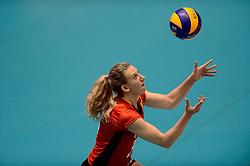 10-08-2014 NED: FIVB Grand Prix Belgie - Puerto Rico, Doetinchem<br /> Frauke Dirickx