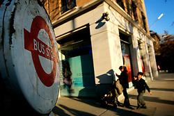 UK ENGLAND LONDON 13MAR07 - Bus stop on the Kings Road in the Sloane Square area, a wealthy part of west London.. . jre/Photo by Jiri Rezac. . © Jiri Rezac 2007. . Contact: +44 (0) 7050 110 417. Mobile:  +44 (0) 7801 337 683. Office:  +44 (0) 20 8968 9635. . Email:   jiri@jirirezac.com. Web:    www.jirirezac.com. . © All images Jiri Rezac 2007 - All rights reserved.