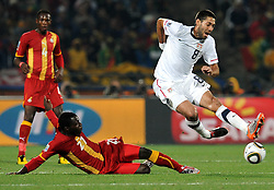 Kwadwo Asamoah (Ghana) e Clint Dempsey (USA).USA Ghana - USA vs Ghana.Ottavi di finale - Round of 16 matches.Campionati del Mondo di Calcio Sudafrica 2010 - World Cup South Africa 2010.Royal Bafokeng Stadium, Rustenburg, 26 / 06 / 2010.