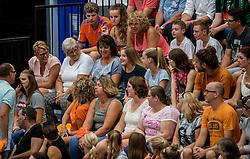 28-08-2016 NED: Nederland - Slowakije, Nieuwegein<br /> Het Nederlands team heeft de oefencampagne tegen Slowakije met een derde overwinning op rij afgesloten. In een uitverkocht Sportcomplex Merwestein won Nederland met 3-0 van Slowakije / Publiek, support, Oranje