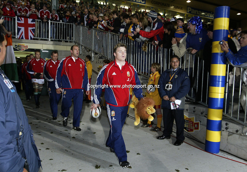 Lions captain Brian O'Driscoll lead the team out prior to the British and Irish Lions v Bay of Plenty rugby match at Rotorua International Stadium, Rotorua, New Zealand on Saturday 4 June, 2005. The Lions won 34-20. Photo: Michael Bradley/PHOTOSPORT<br />