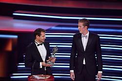 15-12-2015 NED: NOC*NSF Sportgala 205, Amsterdam<br /> In de Amsterdamse Rai werden de prijzen sportman, sportvrouw, sportploeg, coach en paralympische sporter verdeeld / Sportploeg van het Jaar 2015 - Reinder Aart (Reinder) Nummerdor (IJsselmuiden, 10 september 1976) is een Nederlands volleyballer. Hij nam viermaal deel aan de Olympische Spelen, waarvan de laatste tweemaal als beachvolleyballer met Christiaan Varenhorst (Valthermond, 5 juni 1990) is een Nederlands beachvolleyballer.