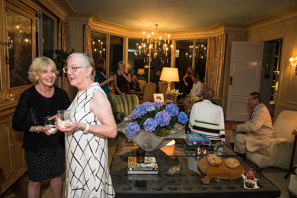 Judy Simmons, Barbara Bovender