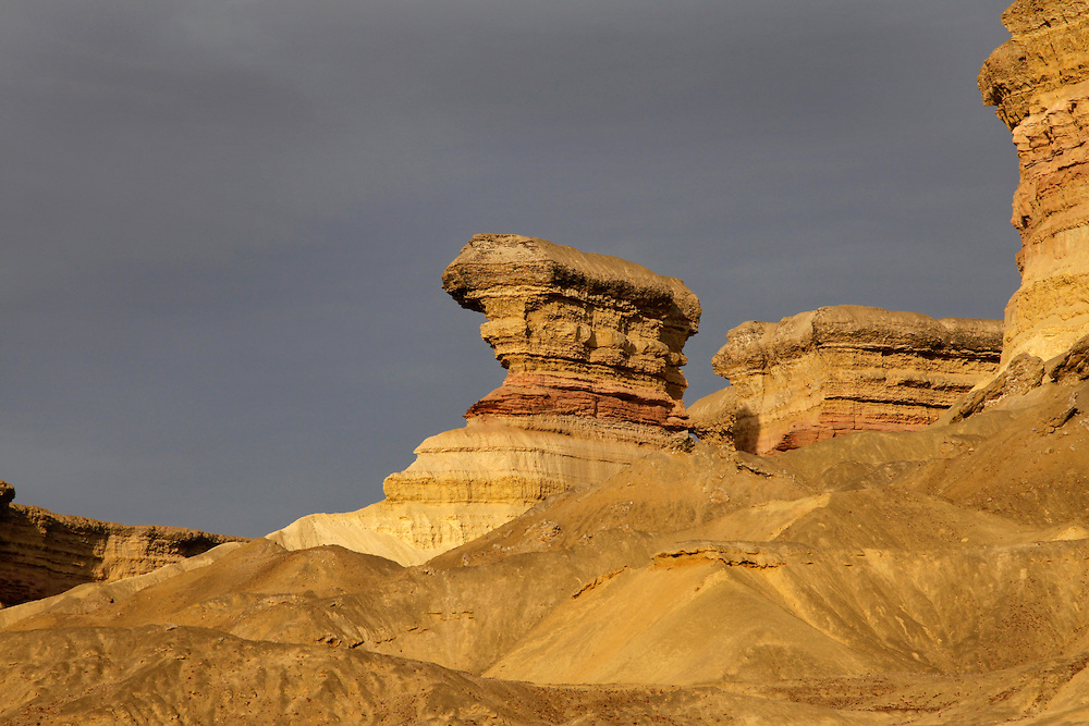 Angola, Namibe Province, Iona National Park. Flamingo lodge Fishing camp in the desert on the Atlantic coast. Rock formations in the desert.<br /> <br /> Photo: &copy; Zute &amp; Demelza Lightfoot